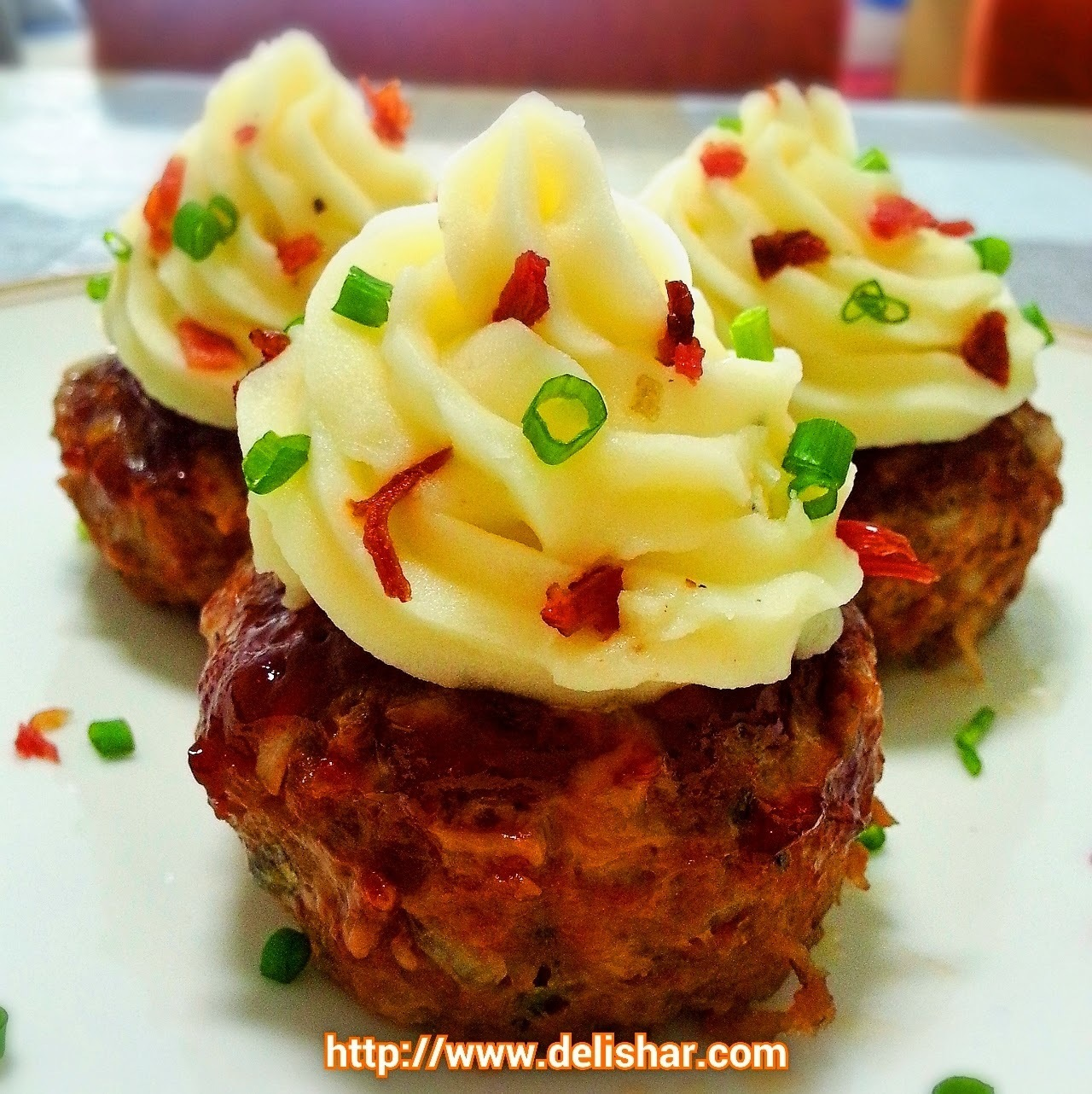 Stuffed Meatloaf Cupcakes with Mashed Potatoes Frosting