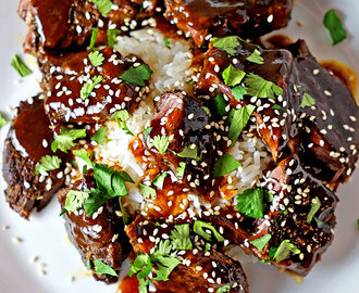 Slow Cooker Szechuan Sticky Beef Short Ribs