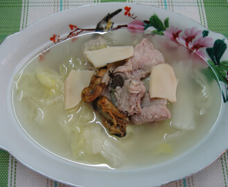 Pork Ribs and Chinese Cabbage Soup 排骨白菜汤