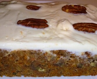 Skinny Whole Wheat Carrot Cake Traybake Recipe