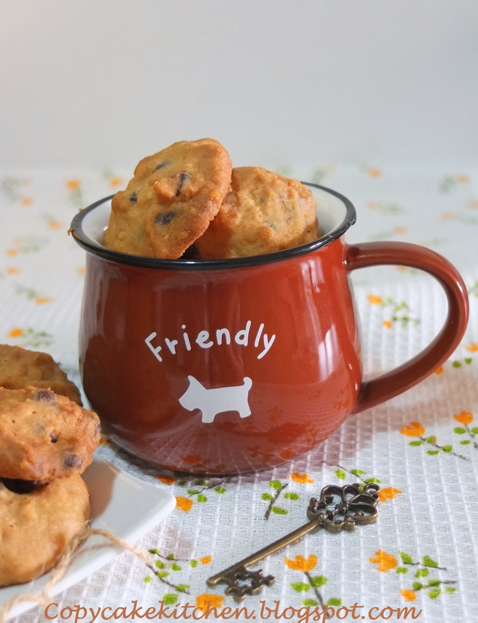 Almost Famous Amos Chocolate Chip Cookies (巧克力粒饼干)
