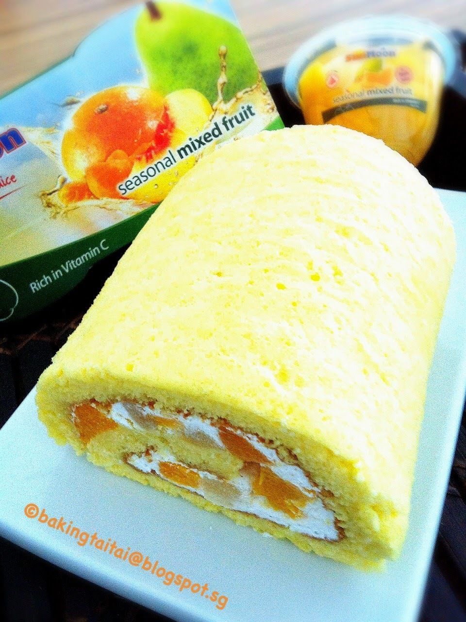 Mixed Fruits Swiss Roll + SunMoon Goodie Bags Giveaway #1 水果蛋糕卷+ SunMoon 礼包赠品#1