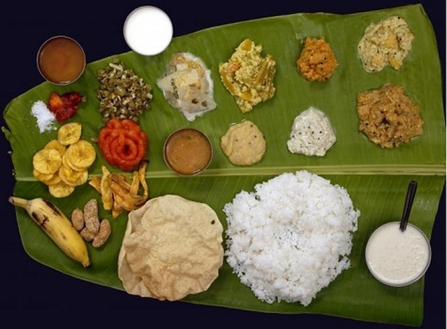 How Eating Food On Banana Leaf Is Beneficial?