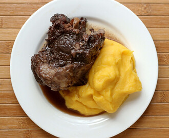 Cooking for Hobbits: Wine-Braised Oxtails