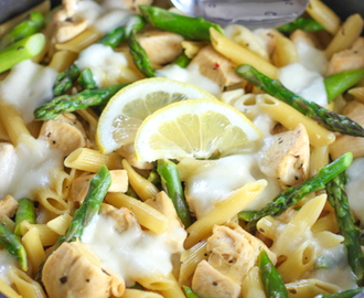 Lemon Chicken, Pasta and Asparagus Skillet