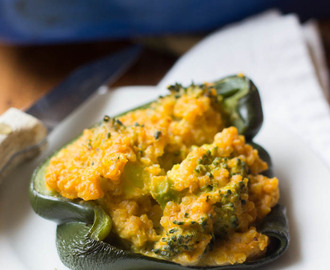 Cheesy Broccoli & Quinoa Stuffed Peppers