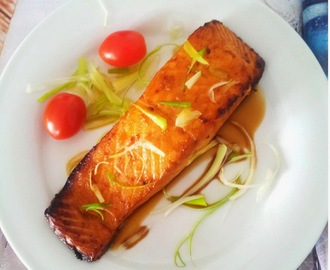 Grilled Salmon with Lemon, Soy Sauce and Brown Sugar (Airfryer Version)