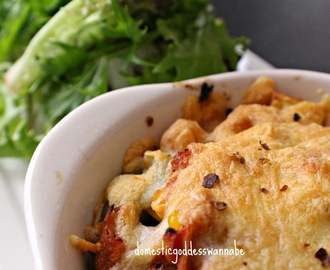 easy tuna pasta bake with corn, red pepper and mushrooms