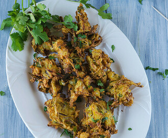 Cauliflower Onion Pakoda
