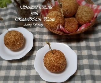 豆沙煎堆  (Sesame Balls with Red Bean Paste)
