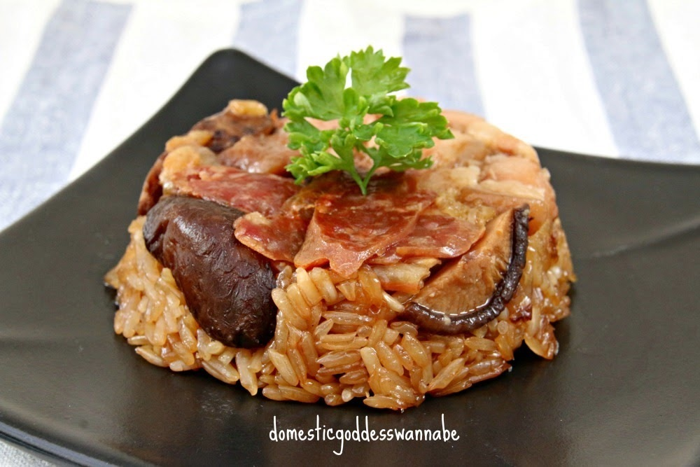 lo mai kai | steamed glutinous rice with pork belly, mushrooms, dried shrimps and chinese sausage