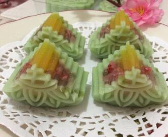 ~~~   Cendol Crystal Egg Yolk Jelly Moon Cake~~~    ~~ 晶露& 水晶蛋黄燕菜月饼 ~~