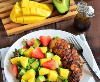 烤鸡与草莓芒果鳄梨沙拉 Grilled Chicken Salad with Strawberry, Mango and Avocado
