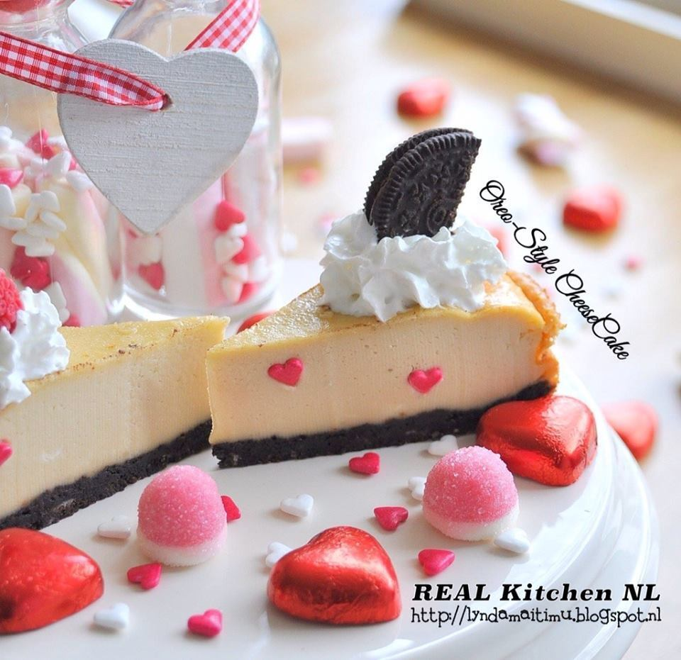 Oreo-Style CheeseCake (Valentine's Day)