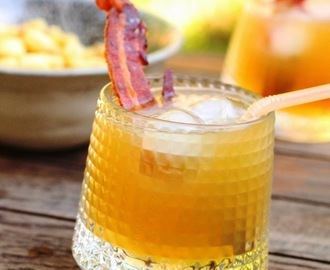 Cocktail 'Toussaint Tchoup' au bourbon, coings et bacon