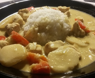 Thaimaalainen green curry chicken