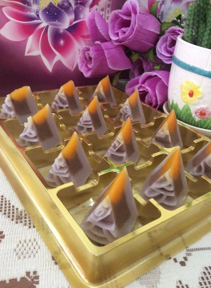 Yam & Red Bean Jelly MoonCake 香芋红豆沙燕菜月饼
