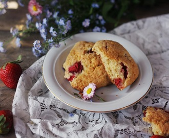 Strawberry Lemon Coconut Scones