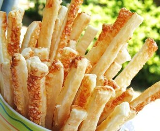 Fast cheese and salt breadsticks recipe