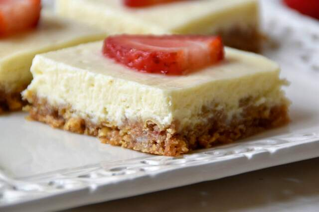 Strawberry Cereal Cheesecake Bars