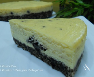 YUMMY BAKED OREO CHEESECAKE