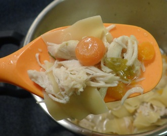 Hearty Garlic Chicken Noodle Soup - Pressure Cooker #Recipe #TfalZabadaHolidays