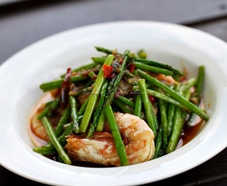 Stir Fry Baby Asparagus with Prawn