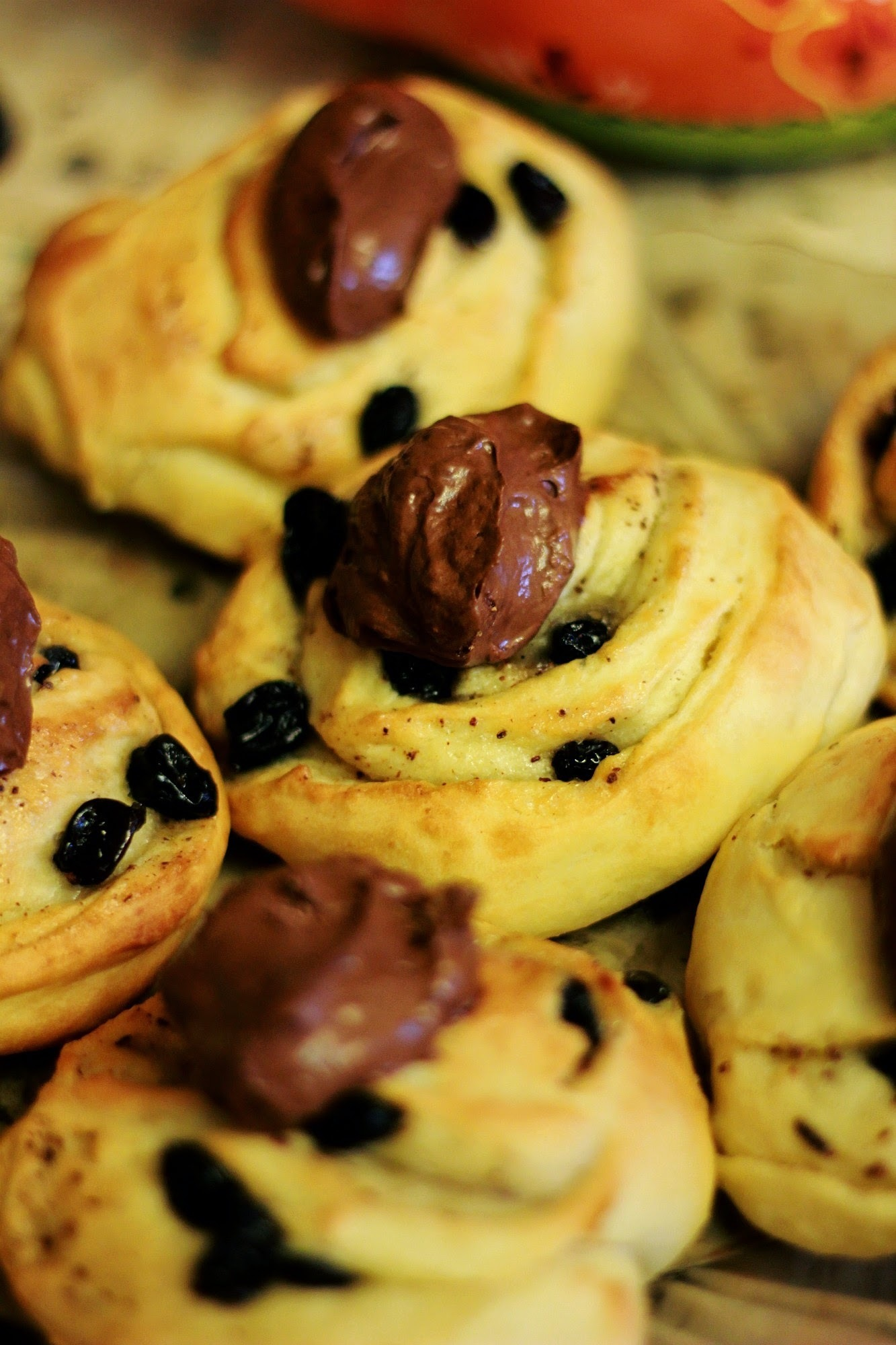 Rolls with cinnamon and raisins