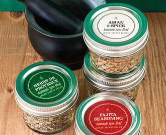 Homemade Spice Blend Gifts