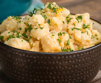 "Get All Of The Cheesiness AND Your Veggies In With This Low-Carb Cauliflower ""Mac"" 'N' Cheese"
