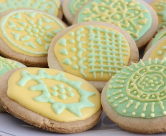 Daring Decorated Sugar Cookies with Daring Bakers