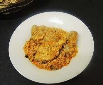 CHICKEN IN SCRAMBLED EGG GRAVY