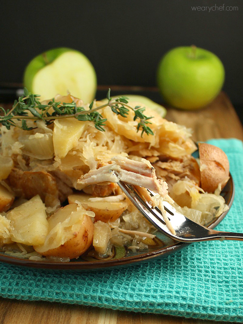 Slow Cooker Pork Chops with Sauerkraut and Apples – An Amish New Year's Dish!