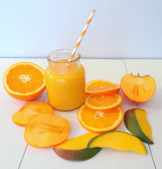 Smoothie orange, kaki et mangue ( Orange smoothie, mango and khaki)
