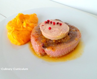 Tournedos de magrets de canard Labeyrie au foie gras et jus de mandarine (Duck breast tournedos with foie gras Labeyrie and tangerine juice)