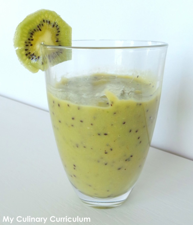 Smoothie avocat, kiwi et bananes (Smoothie avocado, kiwi and bananas)