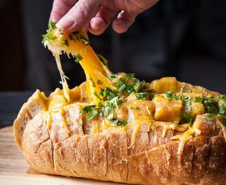 How to Make Tailgate Pull-Apart Bread