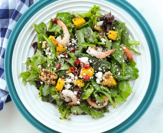 Quinoa Shrimp Mango Pomegranate Spinach Salad with White Balsamic Vinaigrette #SundaySupper