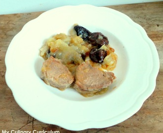 Filet mignon de porc aux pruneaux et au pommes compotées (Pork tenderloin with prunes and stewed apples)