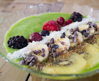 Smoothie bowl met ananas en spinazie