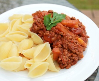 Simple Slow Cooker Bolognese Sauce