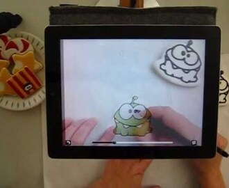 Drawing on a Cookie using the Camera Lucida app and an iPad