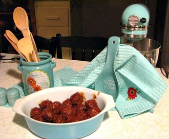 The Homemaking Party: Faith and Finger Food ~ Cranberry Meatballs