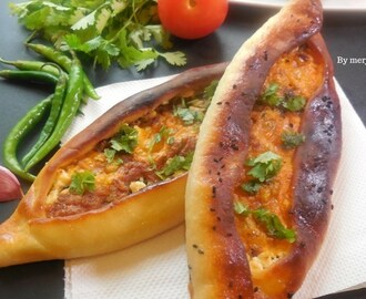 Turkish Pide with minced meat | Turkish Pizza | Kiymali Pide