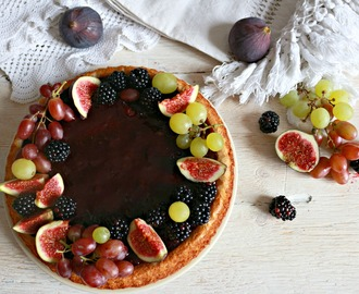crostata morbida con more e fichi