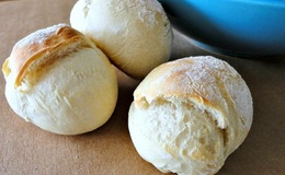 cheese filled bread roll