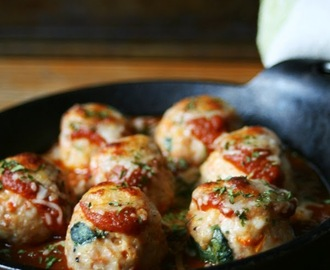 Baked Sun Dried Tomato and Spinach Chicken Parmesan Meatballs