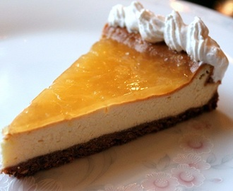 Classic Cheesecake with orange jelly