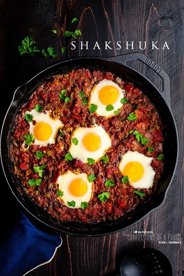 Love breakfast for dinner? Try shakshuka. {Meatless Monday}