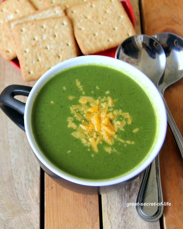 Spinach Soup - simple soup recipe - Healthy starter recipe